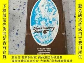 二手書博民逛書店Huckleberry罕見Finn by mark Twain: