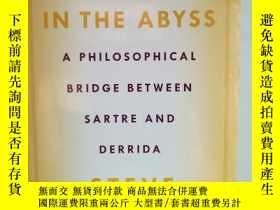二手書博民逛書店深淵中的形式:薩特和德里達之間的哲學之橋罕見Forms in t