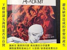 二手書博民逛書店The罕見Umbrella Academy Volume 1: Apocalypse SuiteY16663