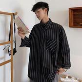 襯衫男韓版潮流帥氣男士休閒條紋襯衫學院風領帶襯衫七分袖寸衫男 安妮塔小舖
