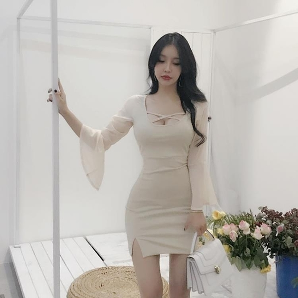 雪紡洋裝 2021新款時尚氣質名媛優雅U領性感雪紡袖拼接包臀開叉打底連衣裙 霓裳細軟