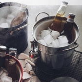 冰桶 沁透整個夏天。雙層帶蓋冰桶加厚鍍鋅鐵皮收納桶家用飲料啤酒桶 美家欣YJT