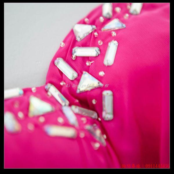 (45 Design)訂做款式7天到貨 玫紅色性感抹胸新娘伴娘結婚敬酒服前短後長款婚紗晚裝禮服
