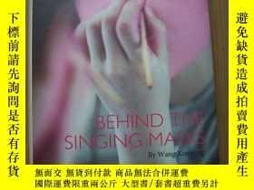 二手書博民逛書店BEHIND罕見THE SINGING MASKS(在唱歌的面具