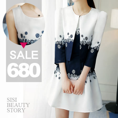 SISI【E6029】敲顯瘦花朵印花西裝七分袖小外套+百褶印花蓬蓬裙短裙套裝