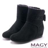 MAGY 柔軟暖呼呼 甜美蝴蝶結平底內增高短靴-黑色