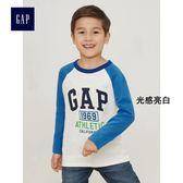 Gap男童 LOGO長袖棒球T恤 中大童圓領內搭兒童上衣 399146-光感亮白