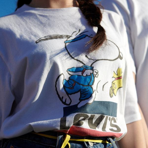 Levis X Snoopy sport限量聯名 女款 短袖T恤 / 史努比、糊塗塔克賽跑Logo