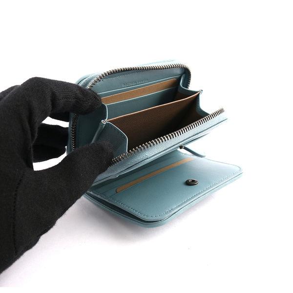 【BOTTEGA VENETA】小羊皮二折零錢包短夾(寧靜藍) 324980 V001N 4713