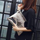 韓國東大門女包2018夏季新款手拿包簡約手抓包女款休閒信封包手包【櫻花本鋪】