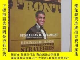 二手書博民逛書店OUT罕見FRONT:Strategies from front