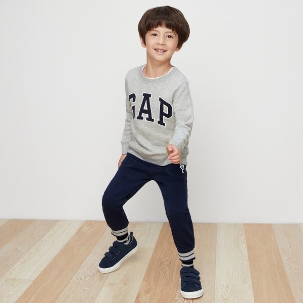 Gap男嬰幼童 logo兒童刷毛縮口褲 寶寶長褲運動褲 358914-靛藍色