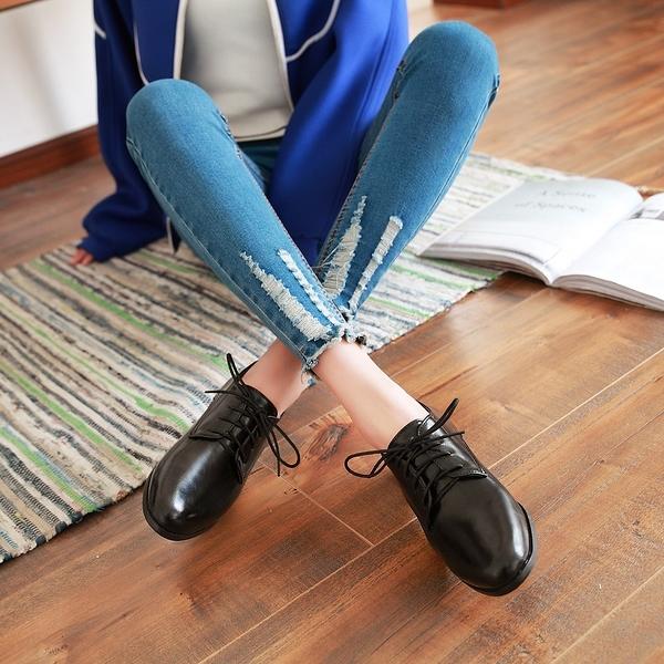 大尺碼女鞋41-48【現貨出清】凱莉密碼 復古經典素面百搭小圓頭牛津鞋2.5cm【HB256】