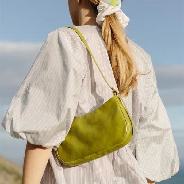 中古包包女2021夏季新款小眾通勤百搭純色法棍腋下包單肩手提包潮 茱莉亞