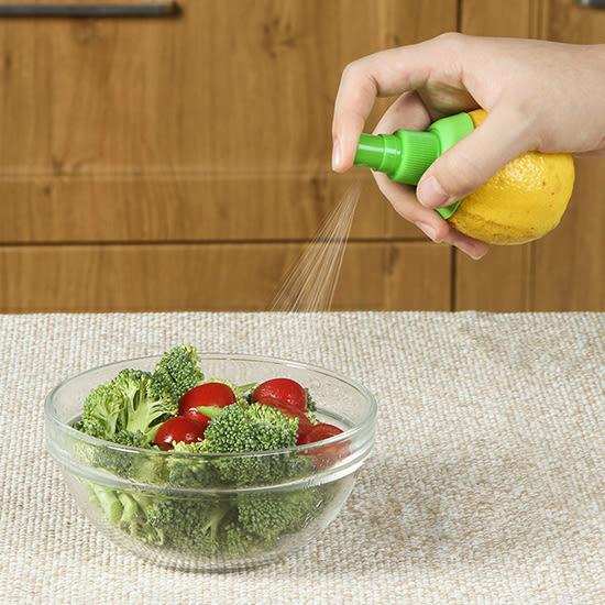 ◄ 生活家精品 ►【G16-1】手動榨汁噴霧器 檸檬 噴霧器 水果 噴汁 榨汁 壓汁 噴頭 創意 迷你