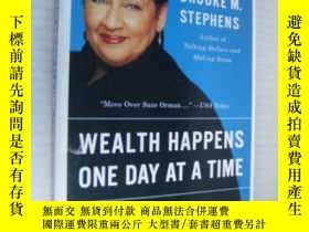 二手書博民逛書店Wealth罕見Happens One Day At A Tim