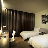 台南榮美金鬱金香酒店標準雙人房(1大床/2小床)含早餐2客(旺日+400,假日+800)