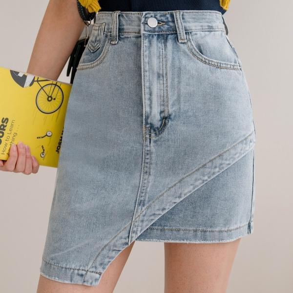 現貨-MIUSTAR 就愛不對稱!單邊弧線牛仔短裙(共1色,S-L)【NJ1764】