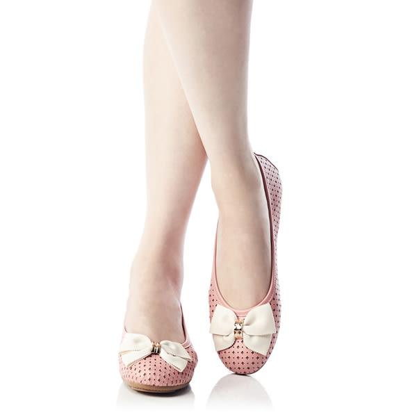 ★零碼出清★Keeley Ann俏皮洞洞蝴蝶結OL真皮平底娃娃鞋(粉紅色)