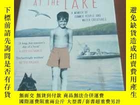 二手書博民逛書店BAREFOOT罕見AT THE LAKE 赤腳在湖邊Y2047