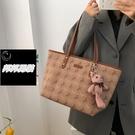 側背包 設計大容量包包女21潮高級質感側背包百搭托特大包品牌【邦邦男裝】
