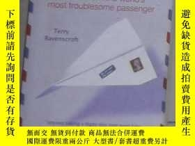 二手書博民逛書店英文原版罕見Air Mail by Terry Ravenscr