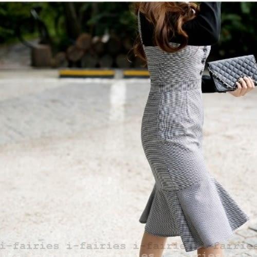 現貨+快速★格子背帶修身包臀荷葉邊裙中裙連身裙★ifairies【32492】