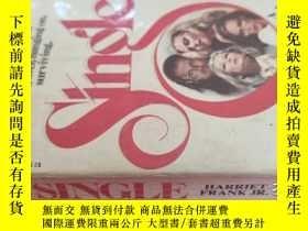 二手書博民逛書店【英文原版】Single(罕見如圖)Y25633 Harriet Frank Warner Books 出版