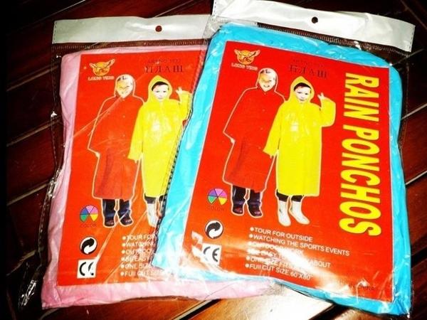 [協貿國際]兒童一次性雨衣加厚透明雨衣小孩1入