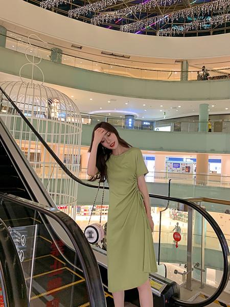 【藍色巴黎 】純色側邊抽繩傘狀裙襬短袖洋裝 連身裙《4色》【28884】
