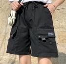 EASON SHOP(GW5526)實拍小LOGO大口袋鬆緊腰抽繩綁帶收腰工裝褲女高腰短褲顯瘦休閒褲五分褲直筒褲