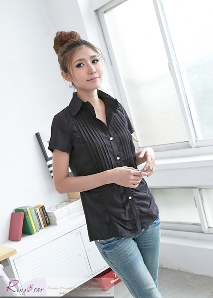 襯衫--簡潔知性壓摺抓皺設計短袖襯衫(白.黑.粉.紫S-3L)-H129眼圈熊中大尺碼◎