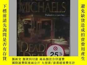 二手書博民逛書店英文原版罕見Deadly Deals by Fern Micha