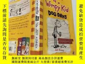 二手書博民逛書店Diary罕見of a Wimpy Kid:.一個懦弱的孩子的日記Y200392
