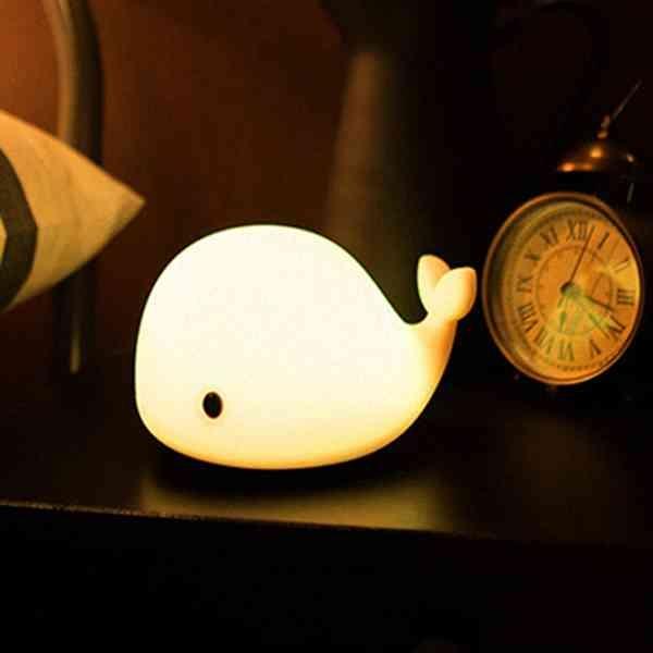 小鯨魚 拍拍燈 小夜燈 LED USB 充電 觸控 變色 情境燈 床頭燈 臥室 房間 療癒 居家 『無名』 M11104