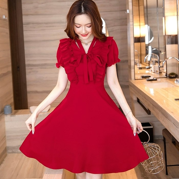 可愛大紅公主袖壓褶腰身連身約會雪紡洋裝[98980-QF]美之札