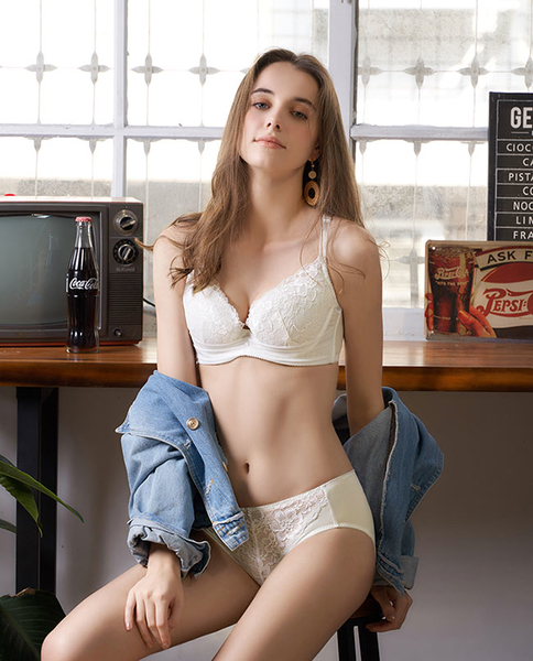 U&Z-愛的頻率 美背款B-E罩內衣(愛戀白)-台灣奧黛莉集團