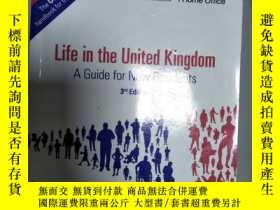 二手書博民逛書店罕見~Life in the United Kingdom:a