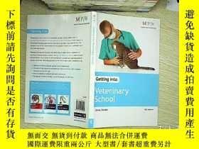 二手書博民逛書店Getting罕見into veterinary schoolY