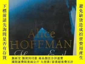 二手書博民逛書店愛麗絲·霍夫曼罕見Here on Earth by Alice