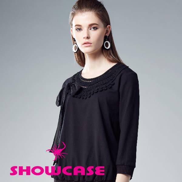 【SHOWCASE】氣質名媛鏤空蕾絲領綁帶七分袖棉質上衣(黑)
