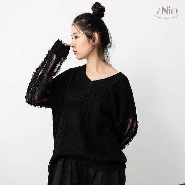 雙袖鏤空長袖針織上衣V領針織毛衣(S-L適穿)-現貨快出【C0W1124】 iNio 衣著美學