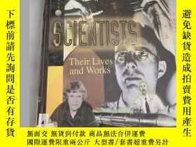 二手書博民逛書店Scientists:罕見v. 5: Their Lives a
