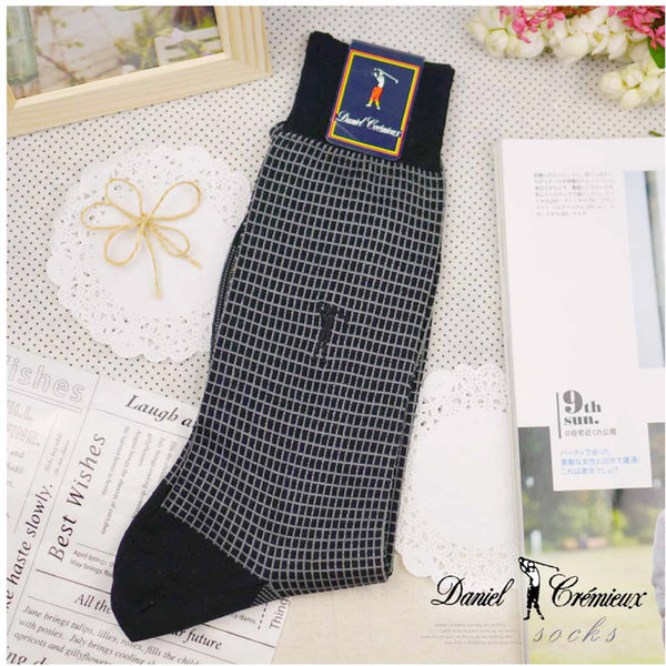 【大盤大】daniel crmieux 黑 男 名牌襪子 25cm 薄長筒襪 格子襪子 涼爽棉襪 七夕情人節禮物 彈性