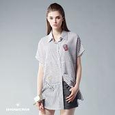 【SHOWCASE】交錯細條紋長版剪裁連袖襯衫(灰)