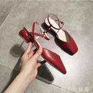 夏百搭仙女風半包頭低跟涼鞋女平底方頭單鞋配裙子的一字帶圓跟「時尚彩紅屋」