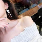 【Z530045】貝殼紋+長方鏤空金屬造型耳針式耳環/耳飾-Upbeat