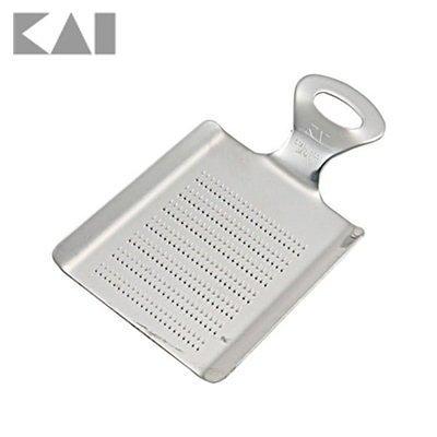 日本貝印KAI 不鏽鋼迷你磨泥器 寶寶副食品磨泥器蘋果磨泥器磨薑器磨泥板副食品【DH7070】