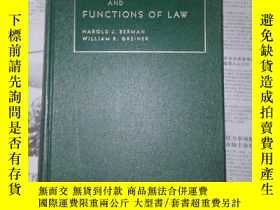 二手書博民逛書店The罕見Nature and Functions of Law