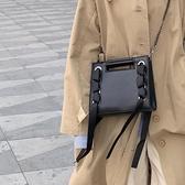 暗黑繫港風包包女2020韓版新款百搭側背斜背包chic時尚錬條小方包 雙11 伊蘿